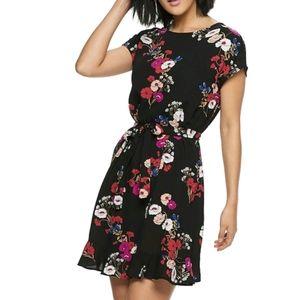 NWT Women's Popsugar Floral Print Tie-Waist Dress